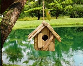 Rustic Wooden Birdhouse * New