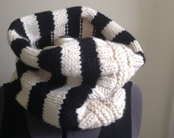 Black and white Striped Handmade Cowl Circle Scarf in Stripes unisex Cowl Neck warmer
