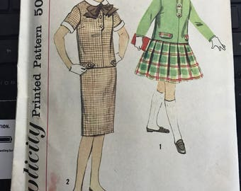 Vintage 60s Simplicity 2739 Uncut Girl's Dress Pattern-Girl's Size 8 (26-23-28)