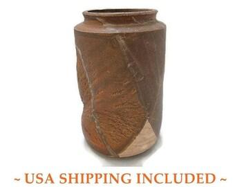 1960s Brutalist Pinched Pot/Vase Studio Art Pottery Signed