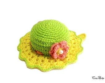 Green and Yellow crochet hat pincushion, Cappellino puntaspilli verde e giallo all'uncinetto