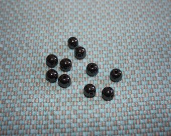 VERY NICE SET OF PEARLS HEMATITE BLACK PUNCHED