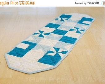 ON SALE Blue Ivory Table Runner, Quilted Table Topper, Elegant Pinwheel Table Runner, Cotton Fabric Table Mat, Table Quilt, Blue Star Table