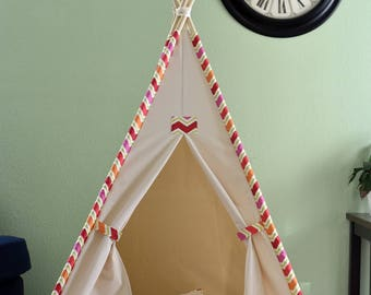 Ready to ship Teepee set, Wig-wag Trim canvas Kids Teepee withe poles, Play Tent, Play House, Tipi,Room Decor