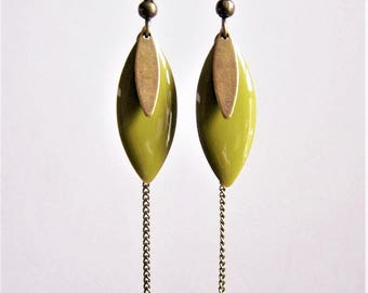 Earrings sequin enameled khaki green and brass chain
