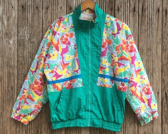 Rare!! Vintage casual Windbreaker Multicolour style nice design medium size