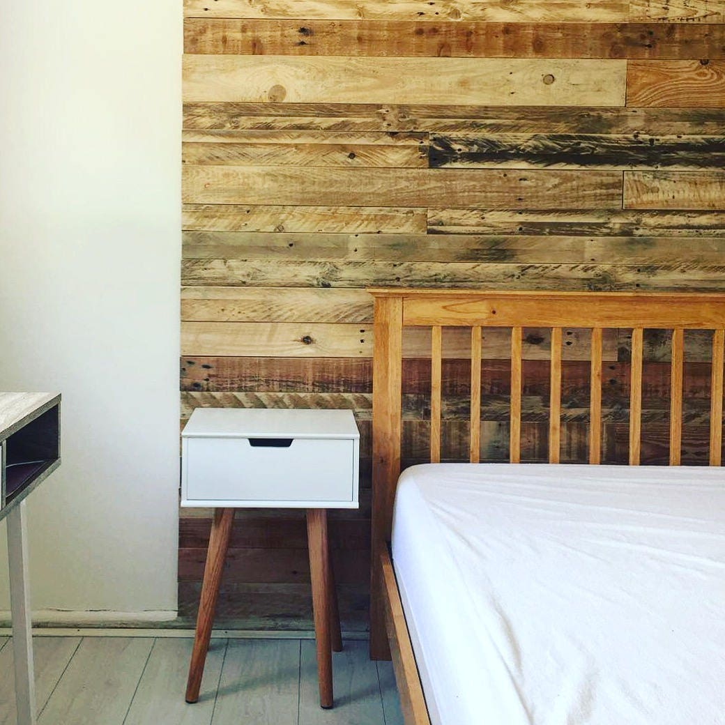 Reclaimed pallet wood wall cladding
