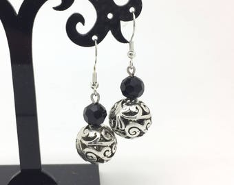 Filigree silver and black faceted glass beads