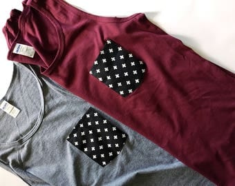 Pocket tank top, cross pattern black and white