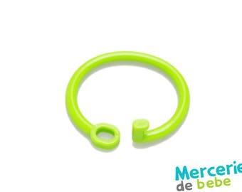 Grip or hook for baby toy - Green