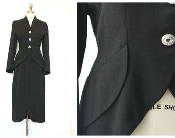 Vintage 40s LILLI ANN Suit, Wool Gabardine Jacket + Skirt, Rhinestone Buttons, Pencil Skirt, Hourglass Jacket, Size Large