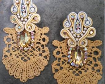 Soutache torchon gold earrings