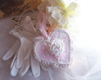 """heart hanging shabby chic pink white and powder and plaster parfurme """"Rosewood"""""""