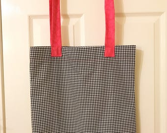 Market bag, black and white houndstooth print cotton bag with long pink print handles