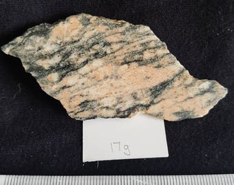 Acasta Gneiss, 17g the oldest known rock in the world RARE