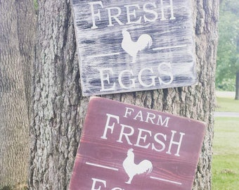 Farm Fresh Eggs Sign-rustic style-distressed sign-kitchen decor-farmhouse decor-wood sign-rustic sign-chicken