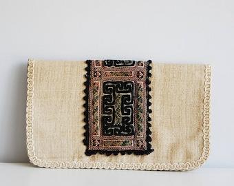 Ethnic clutch