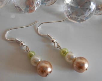 Wedding trend earrings beige ivory and pistachio Green