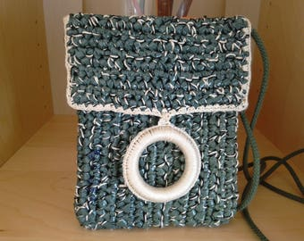 Upcycled shoulder bag ' green/ecru crocheted with a mix of recycled plastic bags and cotton.  upcycling