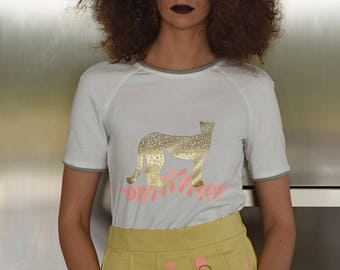 cheetah T-shirt with pink leaves