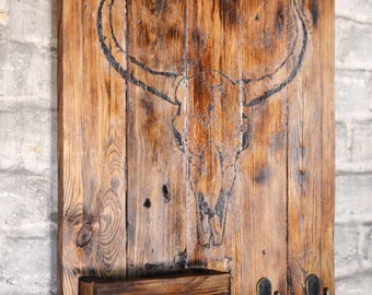 Tableau d'entrée, bois massif, logo Frenchy Vintage Store (FVS Creation) crochets pour clés - wooden board with bull skull, hooks for keys