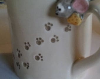Cat and mouse mugs