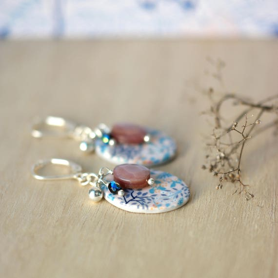 Sterling silver pink earrings 'Reseda' with mother of pearl and flower patterned beads