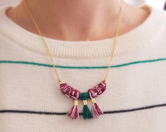 Thin chain necklace and macrame pendant
