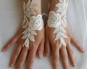 bride accessories,ivory lace, wedding gloves, costume gloves, bridal gloves, free shipping!