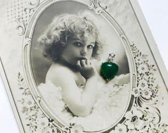 Art Deco Vintage Heart Chyrsoprase 18K Platinum Pendant, New Old Stock, 1960s