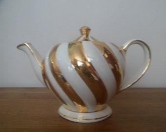Sadler Gold Swirl Teapot