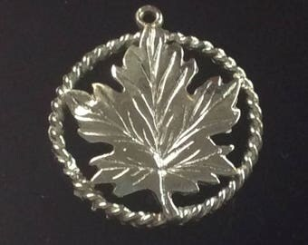 Sterling silver Canada maple leaf charm vintage # 166s