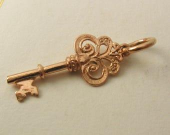 Genuine SOLID 9K 9ct ROSE GOLD 3D Vintage Key charm/pendant