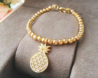Pineapple bracelet, gold bracelet, bridesmaid gift, pineapple charm bracelet, beaded bracelet, dainty bracelet, dalicate everyday bracelet