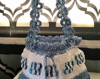 Small crochet soda tab purse