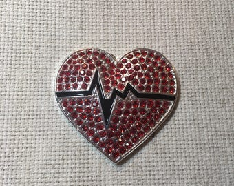 Needle Minder Rhinestone Beating Heart