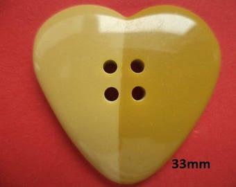 2 big buttons 33 mm beige (813e) Heart