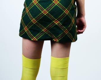 VINTAGE 4 CORNERS Plaid Schoolgirl Skirt