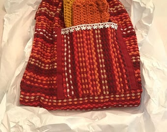 Kitchen Apron with Crocheted Dishcloths