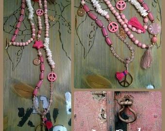 Chain HIPPIE PEACE pink