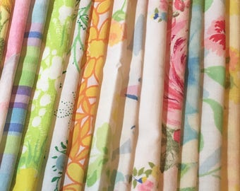 Vintage Bed Sheet Scrap Bundle / Destash / Quilting Crafts / Reuse Repurpose Salvage Recycle / 15+ Different Colors & Patterns