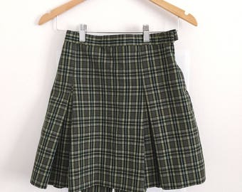 1980s Pleated Checkered Skirt