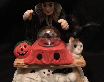 "7"" creepy ceramic Halloween witch with glowing crystal ball Snow White Disney 1980's RARE"