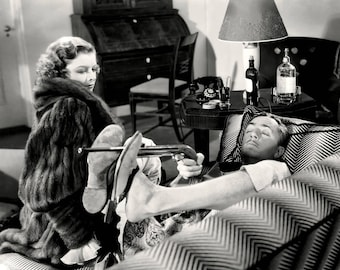 """William Powell and Myrna Loy in """"The Thin Man"""" - 5X7, 8X10 or 11X14 Publicity Photo (AA-959)"""