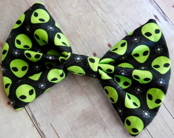 Green Alien Bow // I Want to Believe, Area 51, Space, Universe, Accessories, Fashion