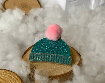 """Brooch """"Forget not your hat"""""""