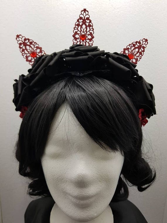 SALE Gothic black red roses filigree headpiece / black red rose headpiece