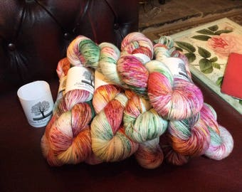 4ply SWM with Nylon and silver stellina Stargazer Lily