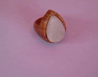 wood abrict with white quartz Teardrop ring