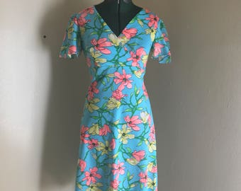 Lola 60s floral bell sleeve dress
